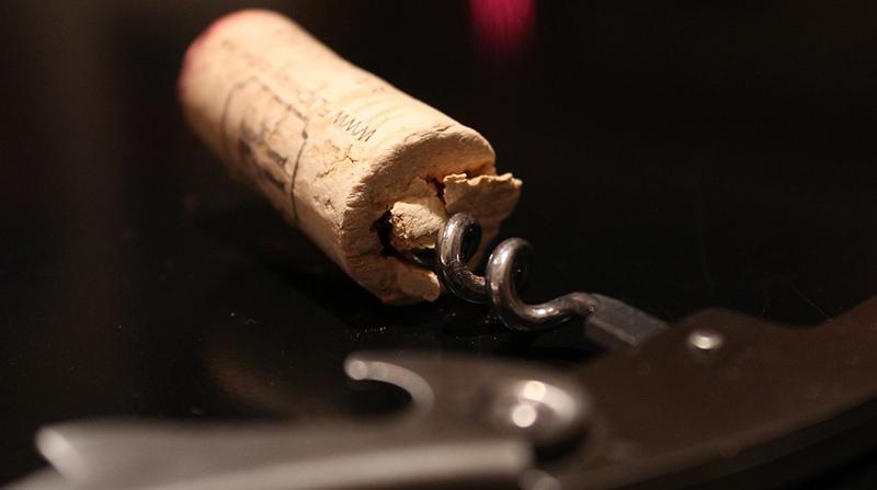 Γιατί Να Μην Αποθηκεύετε το Κρασί μετά το Άνοιγμα 2